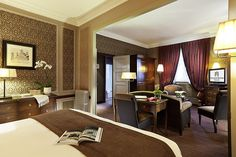 Couleurs chocolat et prune pour une ambiance cosy à l'Hôtel Normandy Barrière de Deauville   France    #France #Couleur #Chambre #Bedroom #Hotel #Deauville