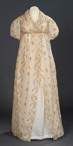 Evening Dress or Open Robe: ca. 1795-1800, English, cotton tabby with open work embroidery of gilt lamella.