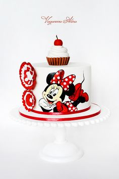 Minnie Cake~so adorable~who doesn't love mini?❤️