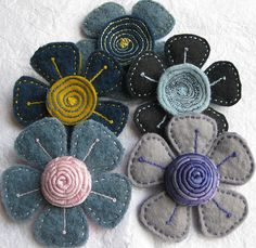 felt flowers. I'm making these for hairpins