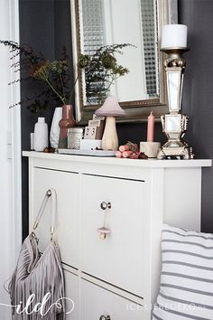 kleiner flur ganz gro haus eingang treppe garderobe pinterest kleine. Black Bedroom Furniture Sets. Home Design Ideas
