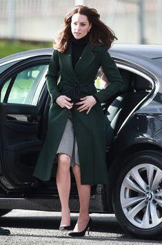 Kate Middleton Photos - The Duchess of Cambridge Visits Edinburgh - Zimbio