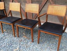 These Great Mid Century Modern Chairs Have 2 Arm And 4 Armless
