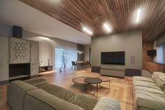 Gallery of Residential Minimalist Concrete House / NEBRAU - 19