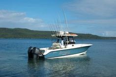 318CC Center Console Fishing Boat - EdgeWater Boats