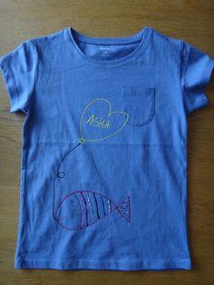 Camiseta pintada peix amb globus Asha