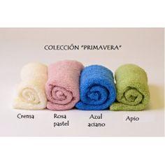 Pack con cuatro tejidos elásticos en colores optimistas y florales.  Producto versátil para utlizar para envolver al bebé 8c1070358bb
