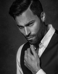 ***Peter*** by Joachim Bergauer on Portrait Photography Men, Photography Poses For Men, Male Models Poses, Male Poses, Boy Photo Shoot, Man Photo, Face Men, Male Face, Posing Guide