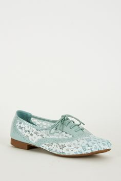 Duck Egg Blue Oxford Lace-Up Shoe. These gorgeous pair of shoes are a pale blue with a hint of sage. Comfy and different they will be a great addition to your shoe collection. Key Features Include: Fa