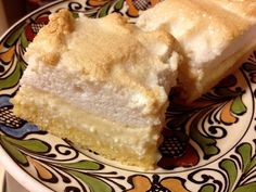 Meringue Farmer Cheese Cake is a delicious dessert that comes from Transylvania. It has three layers: crust, farmer cheese and meringue. Farmers Cheese, Hungarian Recipes, Romanian Recipes, Meringue Cake, Romanian Food, No Bake Pies, Pie Cake, Green Kitchen, Soul Food
