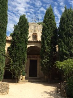 A stunning Hotel in Abbey St. Croix a cister's heritage building in Provence, France