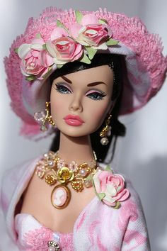 AM GOING IN ON BAGS AND HATS SOON,,,,,,,JUST NEED TO GET THE DRESS LINE OUT FRIST      BUT HATS LIKE THIS SOON FROM HER DOLLY