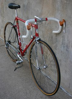 Andy Hampsten's Levis Pinarello team bike that he rode in the 1986 Coors Classic. Found on http://www.velocipedesalon.com. Like the name on the rim face and not the shoulder.