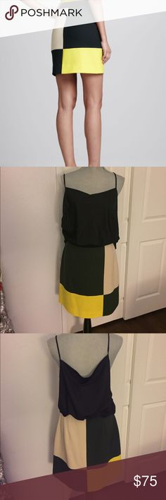 "Kate Spade color block Skirt Size 8 Preloved! In good condition! Measures 20"" length, 14"" flat waist. 🚫Trades! Open to reasonable offers through the offer button! kate spade Skirts Midi"