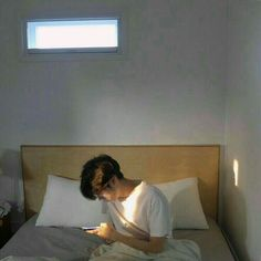 Image uploaded by Absofuckinglutely. Find images and videos about aesthetic, boy and ulzzang on We Heart It - the app to get lost in what you love. Korean Boys Ulzzang, Cute Korean Boys, Ulzzang Couple, Ulzzang Boy, Korean Men, Asian Boys, Ulzzang Style, Asian Babies, Beautiful Boys