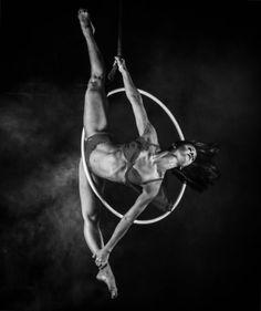 "L A I S C A M I L A on Instagram: ""#LaisCamila #aerialhoop #cerceau #art #artphotography #artist #fitness #fitnessbody #body #bodyarts #bodyart #aerialbeaty #usaerial…"""
