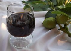 Reformnasik: Dió pálinka készítése (Zöld dió pálinka) Wine Decanter, Stevia, Red Wine, Wine Glass, Alcoholic Drinks, Canning, Tableware, Recipes, Bor