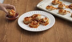 Sausage Pizza Rolls with Barbecue Sauce Recipe Barbecue Sauce Recipes, Pizza Rolls, Dinner Specials, Sausage, Cooking Recipes, Stuffed Peppers, Oeuvres, Finger Foods, Lunches
