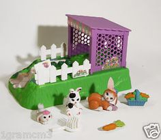 Had the white bunny... don't remember the rest of the set