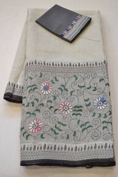 Color : White And Grey Saree Fabric : Heavy Linen Cotton Blouse Fabric : linen Saree Size : Mtr Blouse Size : Mtr Embroidery Saree, Embroidery Stitches, Embroidery Fabric, Hand Embroidery Designs, Embroidery Patterns, Cotton Sarees Online Shopping, Floral Print Sarees, Kutch Work, Handloom Saree