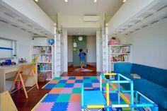 小さな子供のいる家庭で気をつけるべき6つのこと#homify #ホーミファイ #子供 #キッズ https://www.homify.jp/ideabooks/315616 アアキ前田 株式会社 の オリジナルな 子供部屋 風を生み、空に近づく家