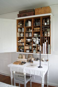 Awesome cupboard my I so love the inside!!!