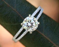 Artículo #Bp003  Con un deslumbrante diamante redondo brillante de 1 quilate en el centro, este magnífico anillo de compromiso de oro blanco de 14K tiene.60 quilates de pavé de diamantes brillantes redondos a lo largo de la caña.  Le invito a casarte con este anillo de compromiso de diamantes impresionante, único! Este anillo es un encargo anillo.   ---SORTEO DE DIAMANTE---  Somos siempre regalando diamantes, así como Hermosa Petra en Facebook y participar en el concurso actual! http:/&#...
