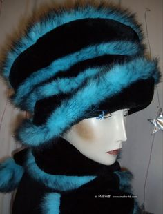 chapeau d'hiver noir à spirale turquoise par MatheHBcouture sur Etsy