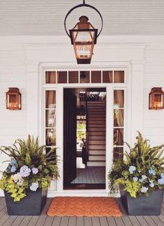 coole terrassengestaltung outdoor pflanzen romantische beleuchtung Source by The post coole terrasse Outdoor Spaces, Outdoor Living, Outdoor Decor, Outdoor Ideas, Rustic Outdoor, Outdoor Kitchens, Front Porch Planters, Large Planters, Wooden Planters