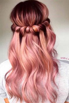 18 Totally Awesome Hair Color Ideas for Two Tone Hair Do you want to color your hair but lack hair color ideas? Check out these awesome two tone hair color ideas for a fun new look! http://glaminati.com/hair-color-ideas-two-tone/
