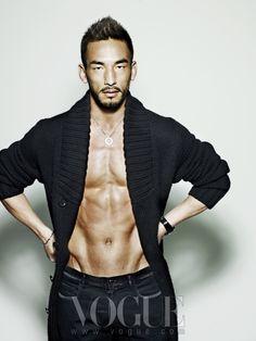 lemaribaju:    Hidetoshi Nakata for Vogue Korea