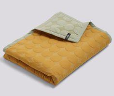 Superfint sengeteppe fra HAY!   100% bomull og filling 100% polyester.  Mål:235x245 cm