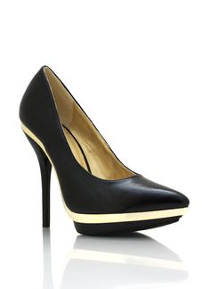 metal accent pointy toe pumps