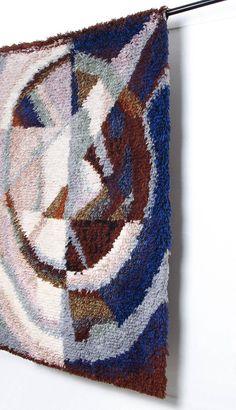 Art Textile, Textile Artists, Rya Rug, Wool Rug, Creative Textiles, Yarn Bombing, Woven Wall Hanging, Rugs On Carpet, Carpets