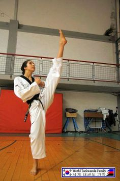World Taekwondo, Taekwondo Girl, Karate Girl, Korean Martial Arts, Martial Arts Women, Female Martial Artists, Female Art, Tang Soo Do, Shotokan Karate