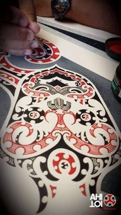 Filipino Tribal Tattoos, Hawaiian Tribal Tattoos, Maori Patterns, Cross Tattoo For Men, Maori Tattoo Designs, Nz Art, Nordic Tattoo, Maori Art, Black And Grey Tattoos