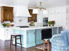 Island color House of Turquoise: Pulliam Morris Interiors