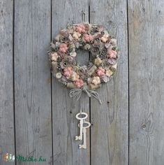 The key to the wine cellar - door decor (anniesdesign) - Meska.hu- A borospince kulcsa – ajtódísz (anniesdesign) – Meska.hu Meska – Key to the wine cellar – door decoration by craftsman anniesdesign - Wreaths And Garlands, Door Wreaths, Spiral Wine Cellar, Christmas Advent Wreath, Summer Wreath, Diy Wreath, Deco Mesh, Diy And Crafts, Cool Stuff