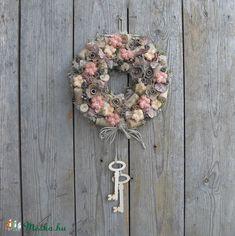 Meska - A borospince kulcsa - ajtódísz anniesdesign kézművestől