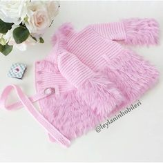 Outfit ÜnGood morning, happy weekend get . Used for good days 💕 Stay with love 🙋💕 . # knitting # Bebekhırka of the # Bebekörgü of Baby Knitting Patterns, Baby Cardigan Knitting Pattern, Knitted Baby Cardigan, Baby Pullover, Lace Sweater, Knitting For Kids, Crochet For Kids, Knitting Socks, Baby Patterns
