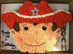 Cowboy pull-apart cupcake cake!