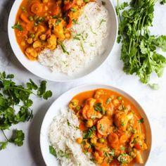 Loaded Veggie Tikka Masala- this vegan tikka masala is easy to make, FULLY vegan. Loaded Veggie Tikka Masala- this vegan tikka masala is easy to make, FULLY vegan, and loaded with delicious vegetables and chickpeas! Vegan Dinner Recipes, Vegan Dinners, Indian Food Recipes, Whole Food Recipes, Vegetarian Recipes, Cooking Recipes, Healthy Recipes, Vegetarian Masala, Vegan Vegetarian
