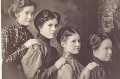 4 surviving Ross sisters 1906- Lola K Ross Gordy, Treacy E Ross Brooks, Glennie Jane Ross Goff, and Sarah Elizabeth (Sadie) Ross Dixson