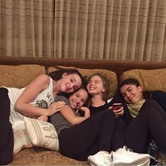 Kenzie & Kendall with friends yesterday in LA • #dancemoms #dancemoms1 #spoilers #dmos_ziegler