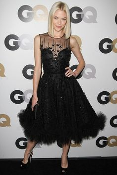 she actually looks perfect. Jamie King in Oscar de la Renta. Jamie King, Black Party Dresses, Nice Dresses, Celebrity Red Carpet, Celebrity Style, Smart Casual Outfit, Casual Outfits, Girl Crushes, Cool Outfits
