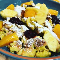 "JednostavnaKuhinja on Instagram: ""#kaiserschmarrn #orange #ananas #lecker #preiselbeeren #instafood #borntocook #foodporn"" Cobb Salad, Acai Bowl, Food Porn, Orange, Breakfast, Instagram, Kaiserschmarrn, Chef Recipes, Cooking"