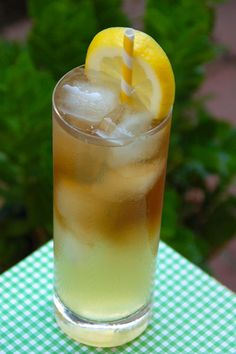 The Best Long Island Iced Tea and Long Beach Iced Tea Cocktail Recipes