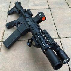 "7.5"" SS 223 wylde AR Pistol w/ shockwave blade (DFW) - AR15.Com Archive Now that's pretty cool!!!"