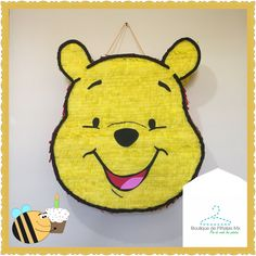 Piñata • Winnie Pooh • envíos a todo México $580 • 2-3 elaboración y 5-7 días hábiles de envío.