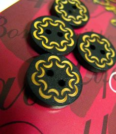 Wooden Buttons -  Vintage Style Bouquet Pattern Wood Buttons, 0.59 inch. 10 in a set on Etsy, $5.00